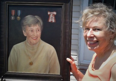 Artist Martha Southwell with her portrait of Dorothy Rungeling. (Photos by Wayne Campbell)